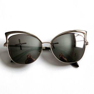 NWOT Oversized Cat Eye Matte Mirror Sunglasses